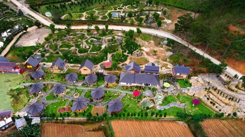 Đột kích 'Ngôi làng bảy chú lùn' tại Đà Lạt