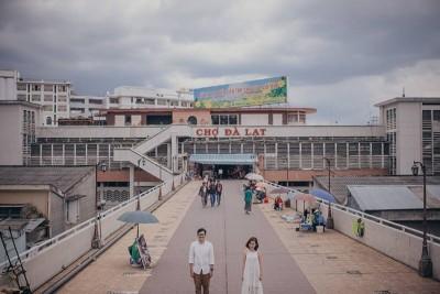 Phát 'sốt' với bộ ảnh cưới chụp ở Việt Nam của cặp đôi Thái