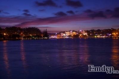 Nàng thơ Đà Lạt đẹp mê mẩn trong mắt nhiếp ảnh gia đất Cảng