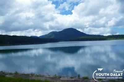 Hồ Tuyền Lâm - Hình ảnh thiên nhiên kỳ vỹ