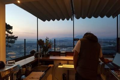 Check-in ngay quán cafe có 'view lưng trời' ở Đà Lạt