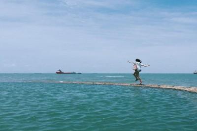 Cận cảnh hồ bơi 'tràn sóng biển' tại Vũng Tàu