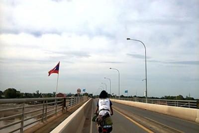 Cô gái Việt du lịch qua 4 quốc gia bằng xe đạp