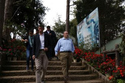 Đại sứ nước Anh đến Đà Lạt thị sát nơi ba du khách tử nạn