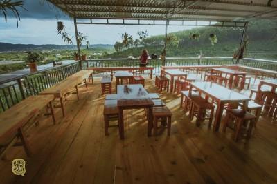 Dốc Lạnh – Quán cafe view nhìn ngất trời mây ở Đà Lạt