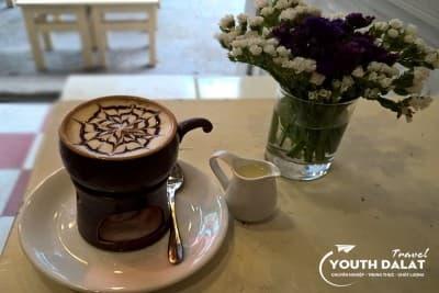 Hana - cà phê trứng, điểm hẹn của tuổi teen
