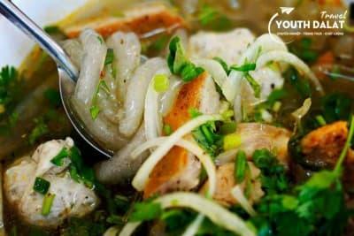 Xuân An - bánh canh & bún bò Huế