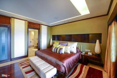Phòng nguyên thủ tại khách sạn nổi trên mặt hồ Tây