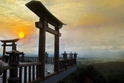 Giới trẻ thích thú lên Lâm Đồng 'săn mây giữa cổng trời'