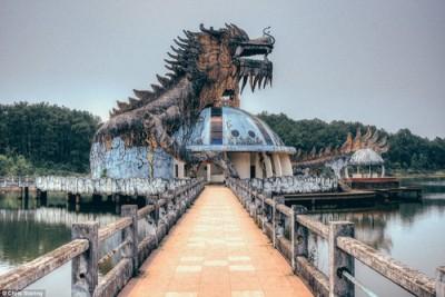Công viên bỏ hoang Việt Nam lên báo Anh vì vẻ ma mị