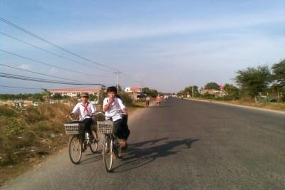 Lâm Đồng: Cảnh báo việc học sinh đi học về bị người lạ dụ dỗ