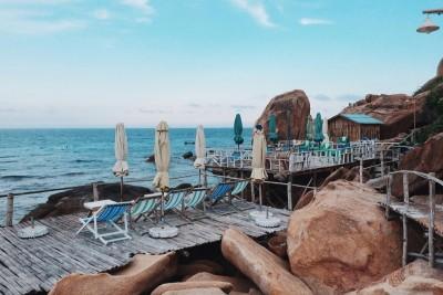 Truy lùng ngôi nhà gỗ đẹp hơn cả resort ở Bình Ba