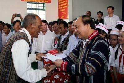 Thủ tướng Nguyễn Xuân Phúc làm việc tại Lâm Đồng