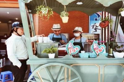 Thưởng thức ngay xe kem tươi 4 màu mới toanh ở Đà Lạt