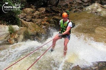 Tour Chinh phục thác nước và cắm trại