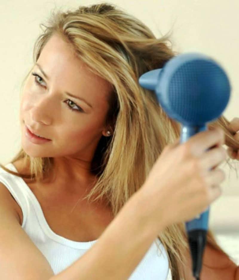 Máy ép tóc làm chiếm vị trí valy của bạn